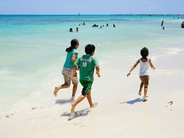 cancun kids beach